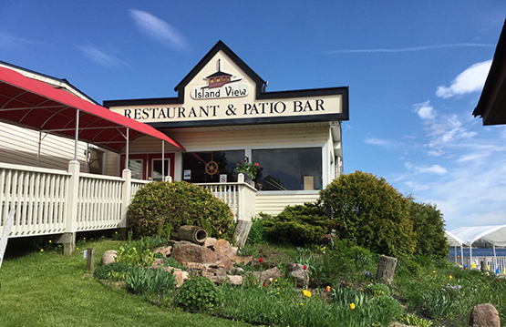 The Island View Restaurant Offers A Daily Lunch Buffet For Our Group Tours We Suggest Boathouse And Cornwall S Pub Eatery Relaxed
